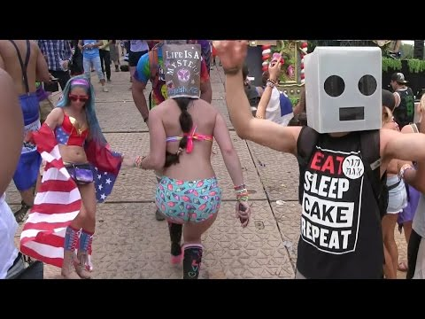 TomorrowWorld Rave  - Music Festival Dancing