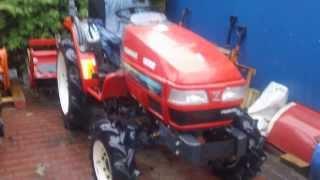 Japoński traktor Yanmar AF-220 z glebogryzarką. Ciągnik ogrodowy. www.akant-ogrody.pl