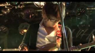 新宿ロフトで行われたライブの映像です。 奥田民生、キャプテンストライ...