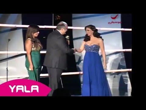Elissa Received Award for Best Arab Singer (Live) / إليسا تستلم جائزة أحسن مغنية عربية