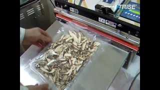 질소 충진 작업후 표고버섯 진공포장