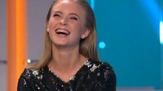Zara Larsson om att vara tonåring - Hellenius hörna (TV4)