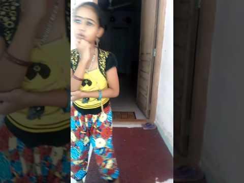 Jomonte Suviseshangal | Nokki Nokki / This Is The Singing  Parvathy