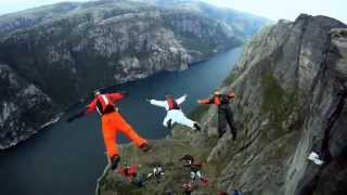Затяжные прыжки со скалы в костюме-крыле 2013 (HD)(Затяжные прыжки со скалы в костюме-крыле. Best of wingsuits., 2013-05-23T12:27:41.000Z)