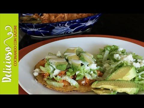 Riquisimas Tostadas de Tinga de Pollo / Mexican Chicken Tinga Tostadas