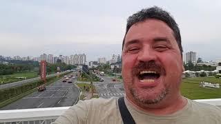 Gambar cover O Futuro à Deus pertence. Diário de bordo de um caminhoneiro de volta ao brasil