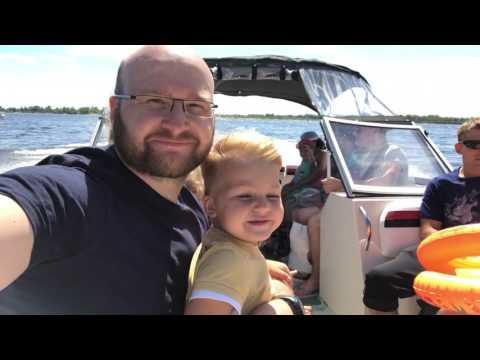 Поездка на лодке через Волгу напротив Вольска