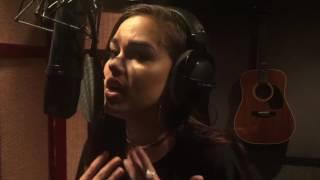 Video Maggie Lindemann - Love On The Brain (Rihanna Cover) download MP3, 3GP, MP4, WEBM, AVI, FLV Mei 2018