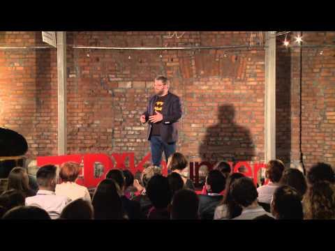 How age changes our sense of identity | Paweł Tkaczyk | TEDxKazimierz