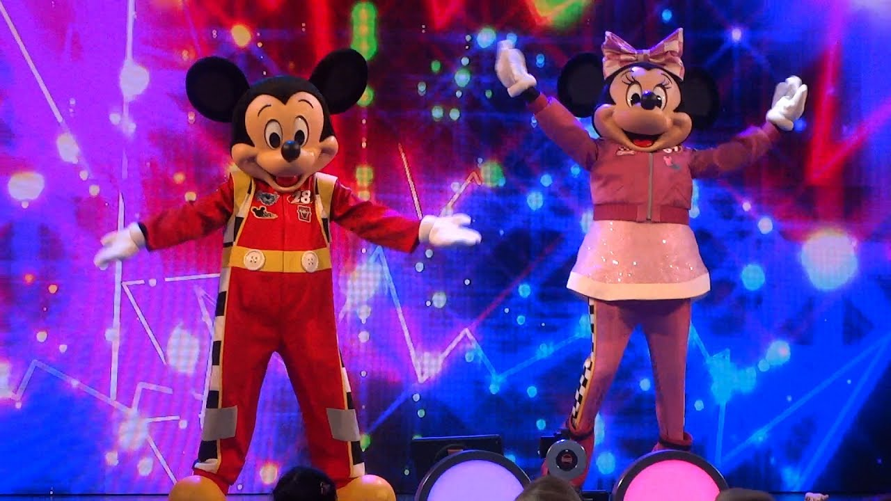 new disney junior dance party full show at disneyland youtube