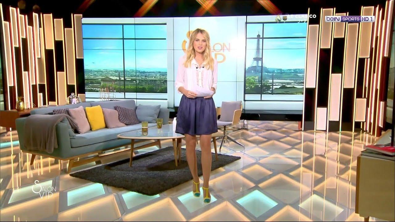 claire arnoux 16 decembre 2017 jupe courte talons croisement de jambes sexy