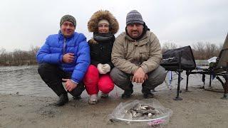 Рыбалка на Теплом канале Ловля на фидер зимой 08 01 21