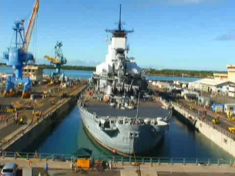 USS Missouri moves to drydock (October 2009)