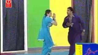 Aisha Ch Latest Punjabi Hit Mujra (2011) - Mundeya Dupatta Chad Mera