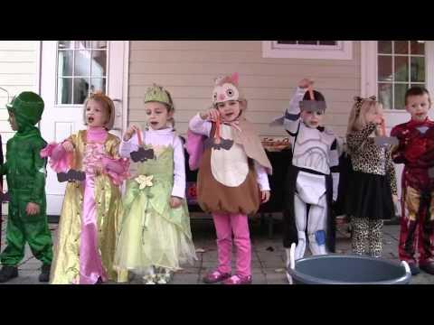 Anna's Halloween Event at The Dogwood School 2010(2/2)