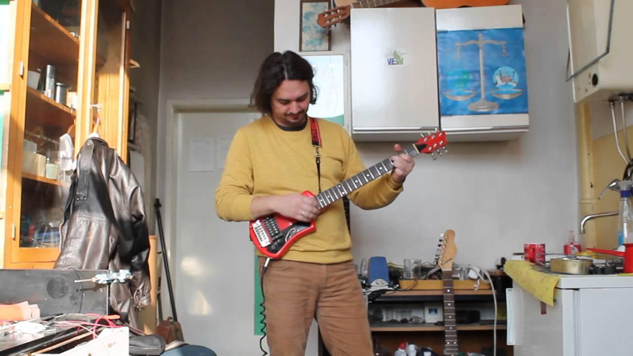 Hofner Shorty Vintage Guitar 1982 Review Youtube