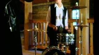 Yölintu - Pieni Lintunen musiikkivideo