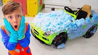 सेन्या ने गंदी कारों को धोया