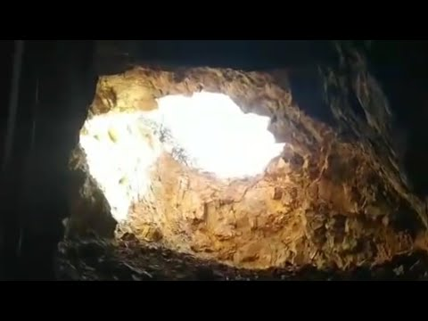 Finding Gemstones In An Abandoned Mexican Mine.  Baja Mexico Treasure Hunt 2018!