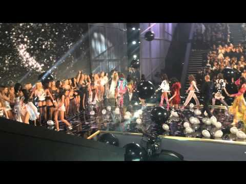 Victoria's Secret Fashion Show 2014 - Finale