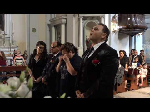 ROBERTO VOLPE -AVE MARIA (in chiesa) cantante napoletano 2017