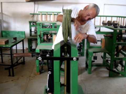 Costura de hilo en escoba de fibra de palma youtube - Escobas de palma ...