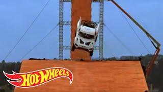 Team Hot Wheels - Yellow Driver's Near-Crash During Testing | Hot Wheels
