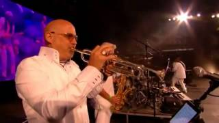 chic feat nile rodgers at glastonbury 2013