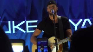 Acoustic Performance of Home Alone Tonight (Live) by Luke Bryan Mp3