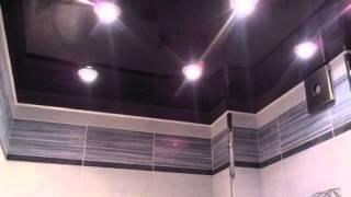 видео Какой выбрать потолок в ванной комнате: 5 вариантов (+фото)