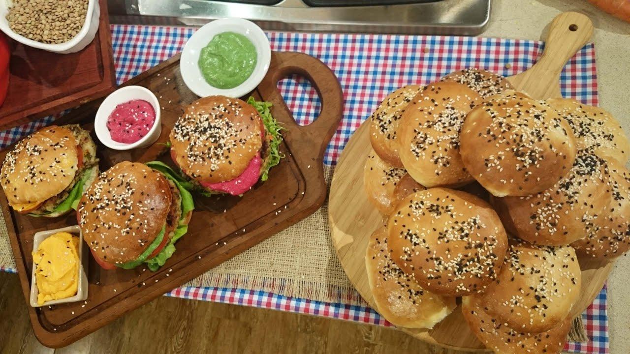 Hamburguesas de legumbres en pan casero de hamburguesas