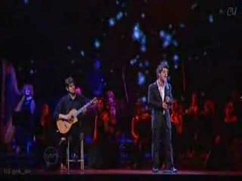 Anthony Callea singing at The ARIAS '05