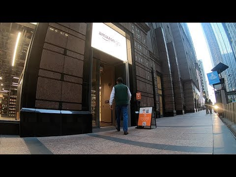 CHECKING OUT THE NEW CASHIERLESS AMAZON GO STORE IN CHICAGO