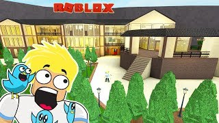 The Biggest Mansion in Bloxburg I have ever seen! Roblox Tours