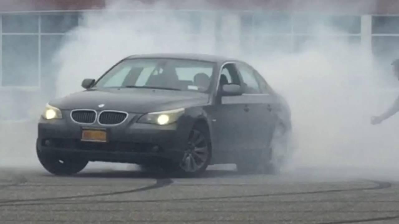 Crazy Burnout On BMW YouTube - 545 bmw