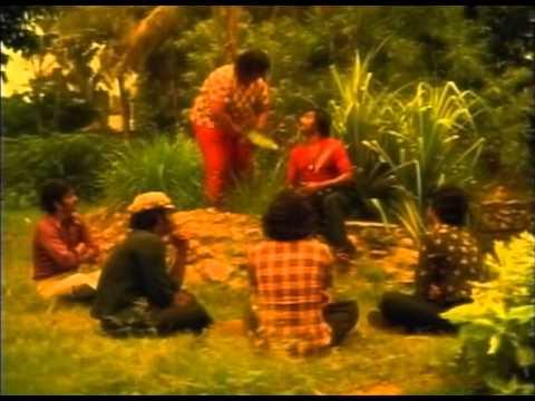 Thillu Mullu Opening Song