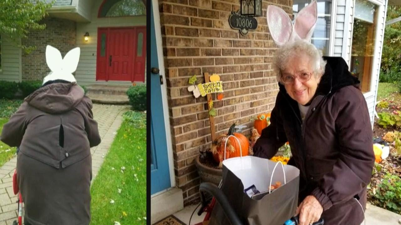 91-Year-Old Great-Grandmother Goes Trick-Or-Treating for the First Time