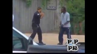 Полицейский дерётся с преступником один на один.