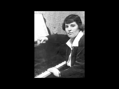 Galina Ustvolskaya - The St. Petersburg Soloists - Trio Sonata and Octet