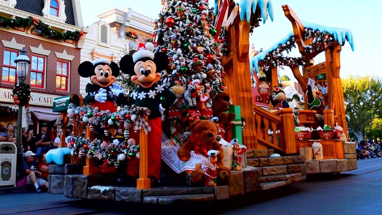 Christmas At Disneyland.A Christmas Fantasy Parade 2018 Disneyland Park Holidays At Disneyland