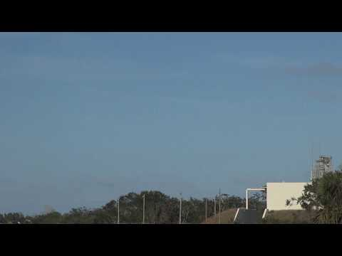SpaceX Falcon Heavy twin boosters first landing incredible sonic booms!