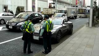 最新アストンマーチンDB11 vs駐車監視員!!その結果は??Aston Martin DB 11 will be a parking breach? アストンマーチンdb11 検索動画 27