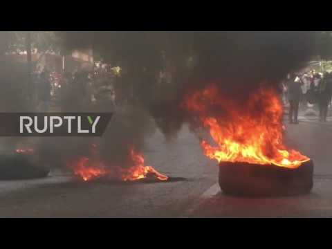 Venezuela: Violence continues as anti-govt. protesters battle police in Caracas