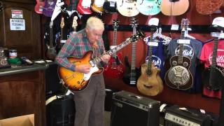 80 Year Old Bob Wood Shreds Besame Mucho in Nashville Guitar