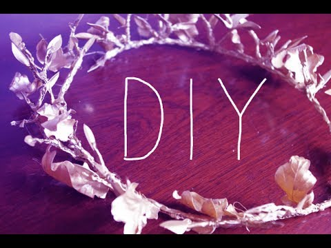 DIY: Laurel Wreath - YouTube