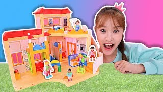 Jini's First Time to the Play Mobil Preschool [Toy Play]