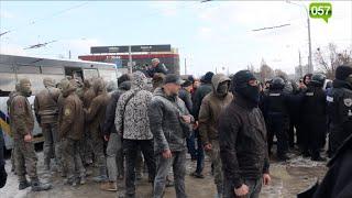 """Выстрелы, пожар и слезоточивый газ: столкновения на """"Барабашово"""""""