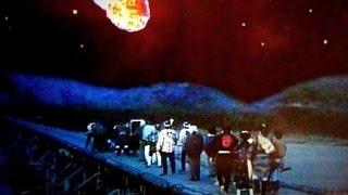 江戸城で天文方役人・内田幸之助とともに彗星を観察していた吉宗は、そ...