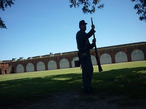 3 muzzle-loader shots in 1 minute? Rifle Demo at Fort Pulaski.