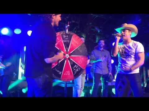 "Duncan Keith Relief Blackhawks karaoke to ""let's get it on"""